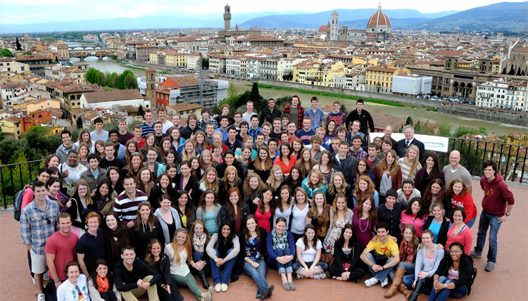 Gonzaga in Florence students group photo