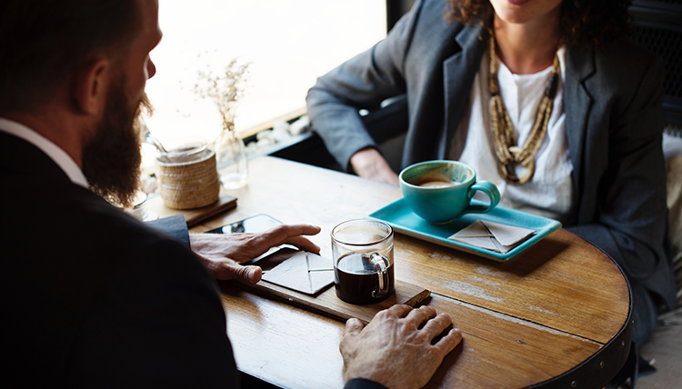 One-on-one meeting over coffee