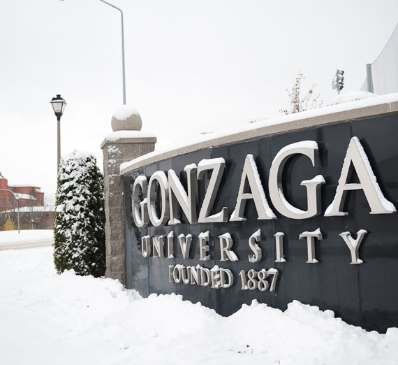 gonzaga university sign in the snow