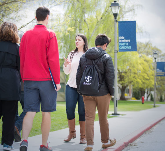 Student leading a tour of Gonzaga's campus