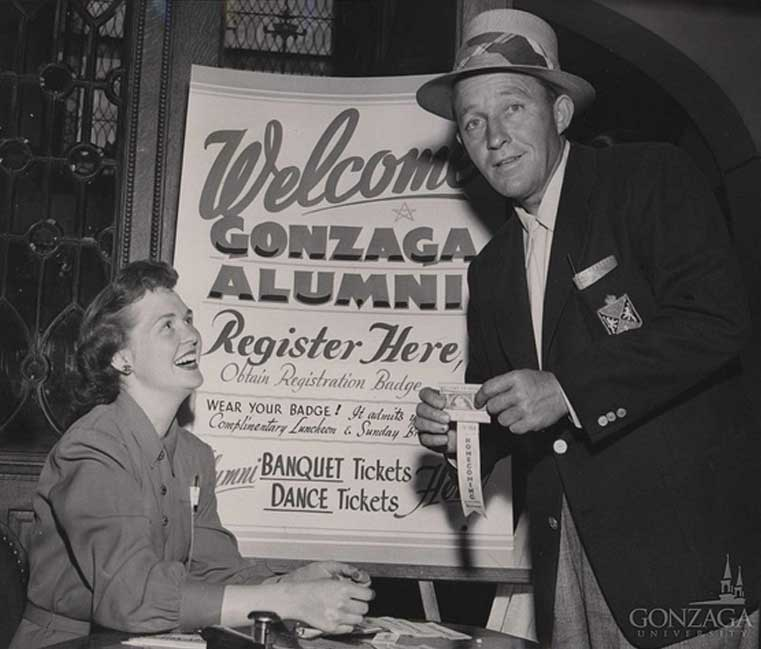 Bing Crosby checking in for Gonzaga's 1951 alumni reunion