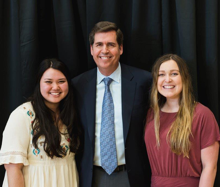 Gonzaga President Thayne M. McCulloh poses with Kellee Kikumoto ('17) and Makenna Sellers ('17), recipients of the President's Leadership Award