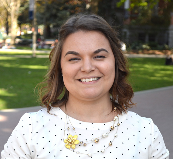 Portrait of Sidnee Grubb, Communication Studies major