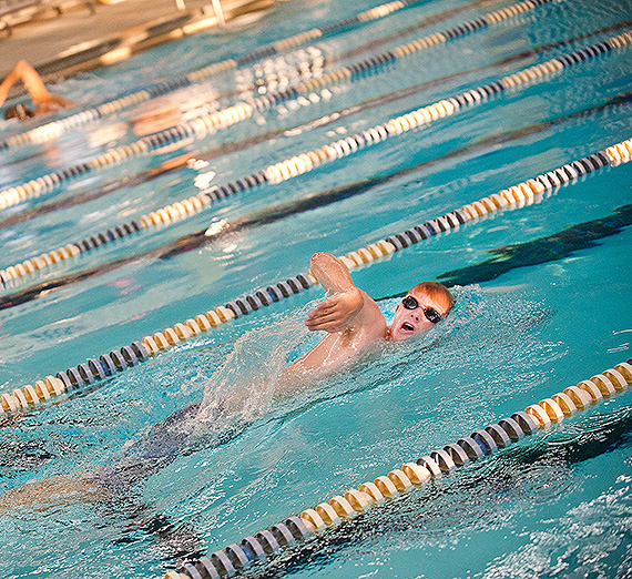 Swimming in the pool at Rudolf Fitness Center
