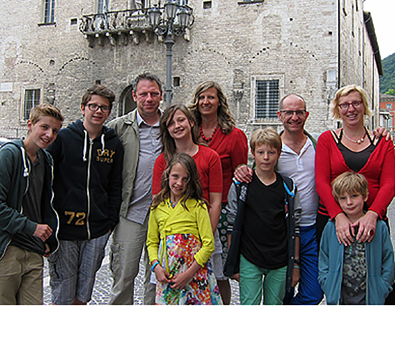 Jereon De Hollogne with wife, children and friends