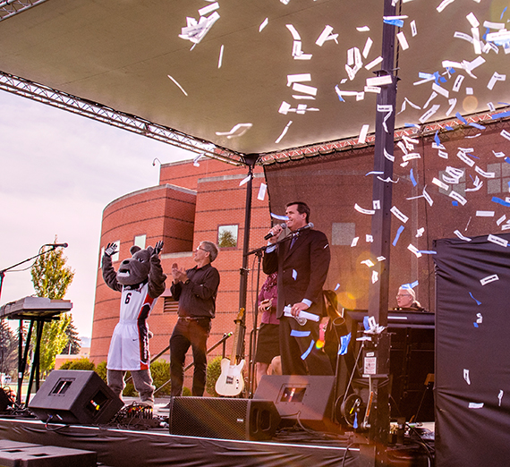 President Thayne McCulloh shares the good news in a campus celebration. GU photo