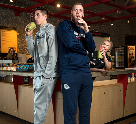 Gonzaga Basketball giants Przemek Karnowski and Zack Collins drink protein shakes