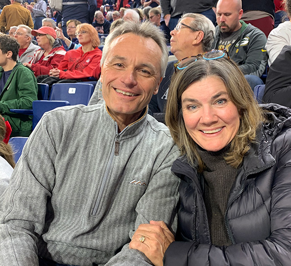 Scott and Liz Morris at a Zags game